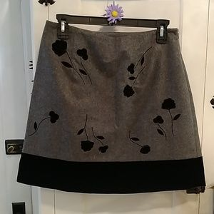 Ann Taylor wool blend gray skirt Sz 8